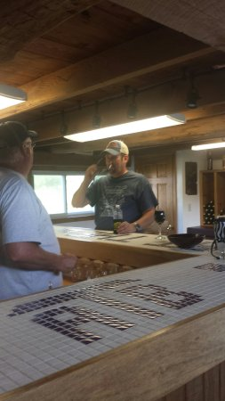 Lawrenceburg, IN: Free tastings! Don has a heart for making awesome wine.  All the wine is made on site. Good fun,