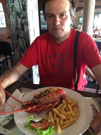 Espargos, الرأس الأخضر: Oběd v Grog´s