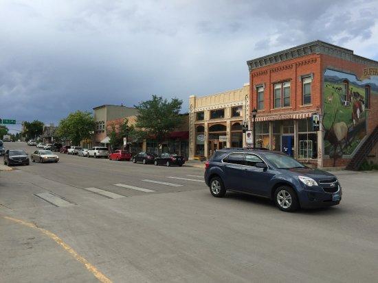 The Historic Occidental Hotel & Saloon and The Virginian Restaurant: Main Street in Buffalo