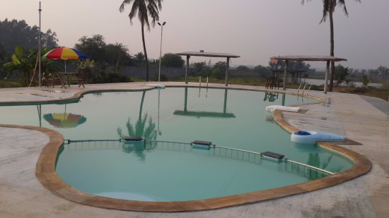 "Mandarmani, India: ""Awesome Swimming Pool"""