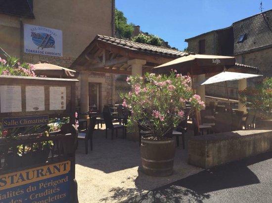 Cenac-et-Saint-Julien, Frankrig: La Promende Bar Restaurant Tabac