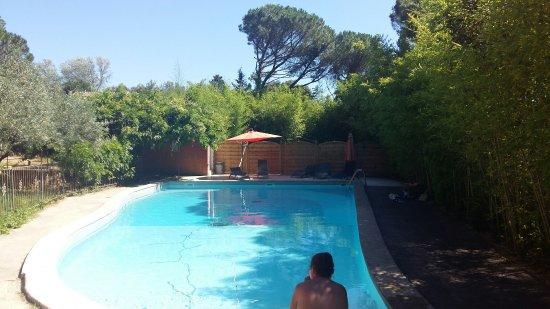 Castillon-du-Gard, Prancis: TA_IMG_20160716_162306_large.jpg