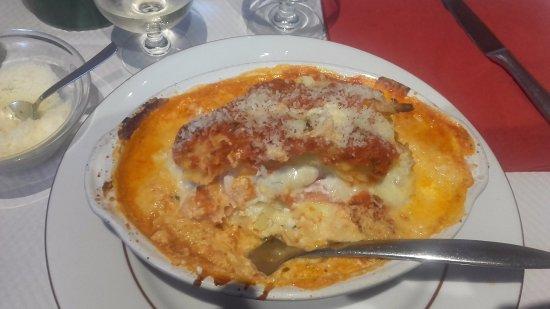 Cachan, Fransa: Lasagnes au saumon