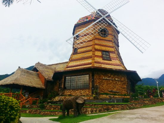 a wondeful theme park and resort in talisay city negros
