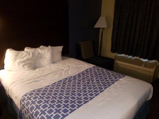 Days Inn & Suites Cherry Hill - Philadelphia Foto