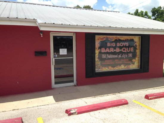 Rockdale, TX: Old Fashioned Pit Style BBQ
