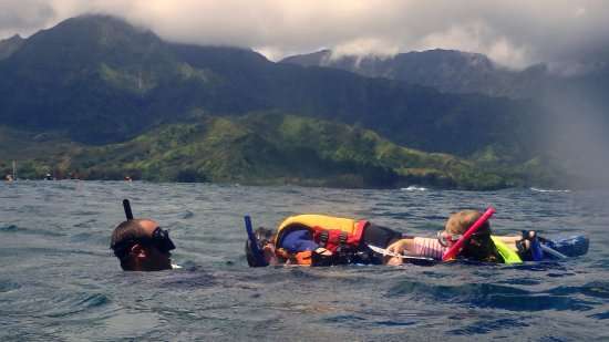 Malama Ke Kai - Reef Guides Hawaii: Jimmy towing our 3 kids all over the bay!!