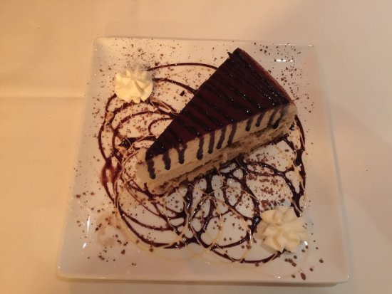Lago Canyon, TX: Not only is the food great but save room for dessert!
