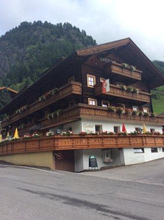 Pragraten, Austria: Islitzer neben Wasserfall und Mühle