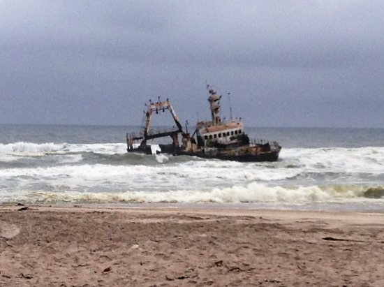 Skeleton Coast Park, Namibia: Shipwrek north of Cape X