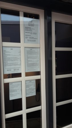 Elst, هولندا: menu and other information on the entrance door