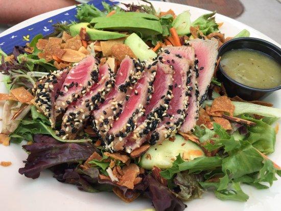 Caldwell, Idaho: Tuna and green salad
