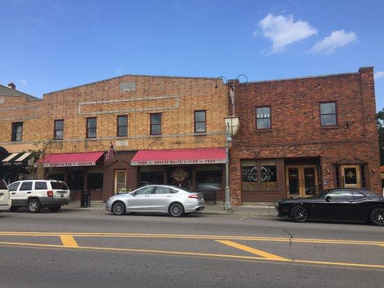 Clarkston, MI: woodshop exterior