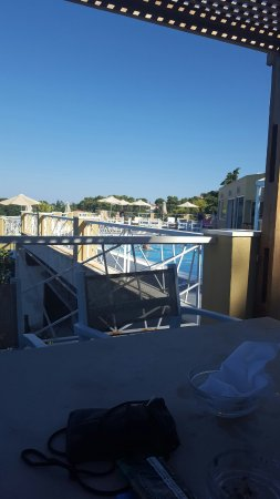 Cape Kanapitsa Hotel & Suites: From the poolside and view from balcony