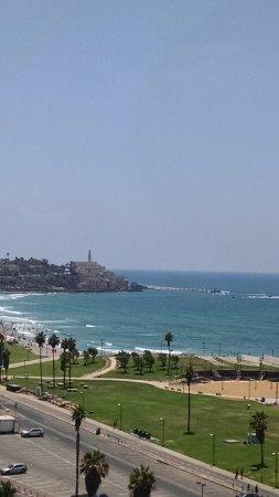Dan Panorama Tel Aviv: View from balcony: Park, mediterranean, Old Jaffa