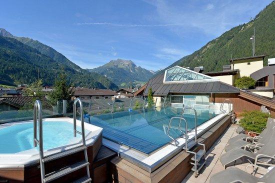 c958fabf52d1 Бассейн на крыше - отзыв о Sporthotel Manni, Майрхофен, Австрия -  TripAdvisor
