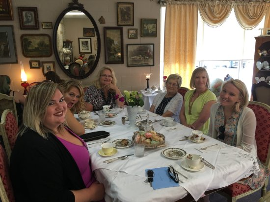 Roseville, MI: The sisters, cousins, and Nana - graduation celebration!