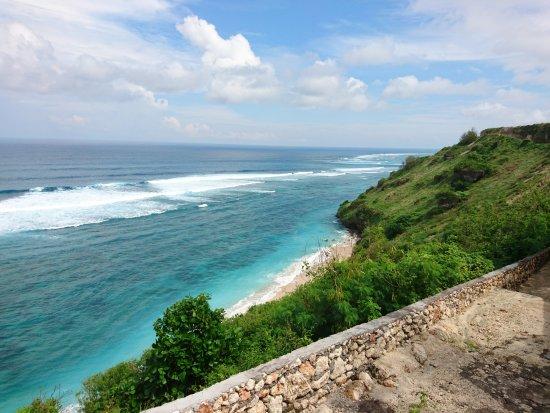 Gunung Payung Beach: capture dari atas tebing 2