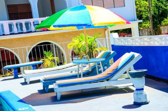 Marine View Hotel: Pool Side