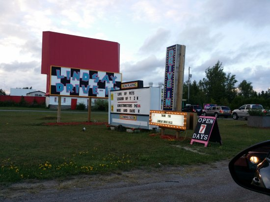 Lindsay, Canadá: Drive in!!