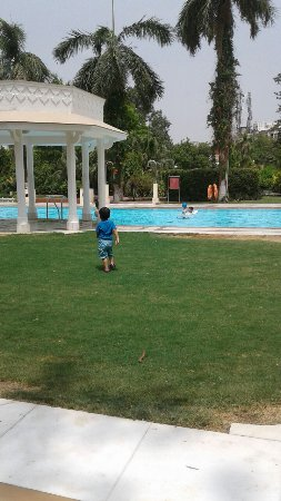 The Gateway Hotel, Agra: stayed wd family for 3 days ... very nicely maintained hotel. well behaviour  staff n  awesome f