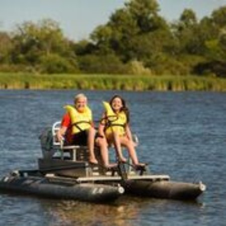 Volo, IL: Paddleboat Rentals