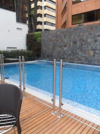 Hilton Bogota: amplia pileta