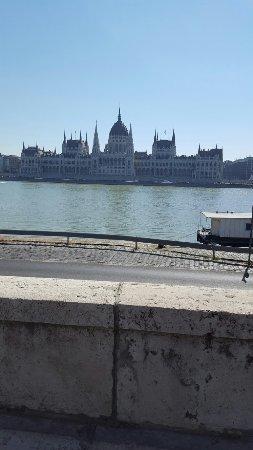 Carlton Hotel Budapest: 20160712_094537_large.jpg