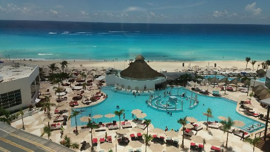 ME Cancun: Greatest hotel in Cancun