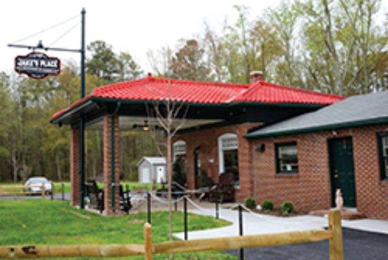 Ashland, Wirginia: Beautiful Restored 1926 Gas Station!