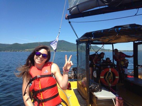 Carleton-sur-Mer, Canada: Une agréable sortie à bord du catamaran taxsea dans cette magnifique Gaspésie. Un immense merci