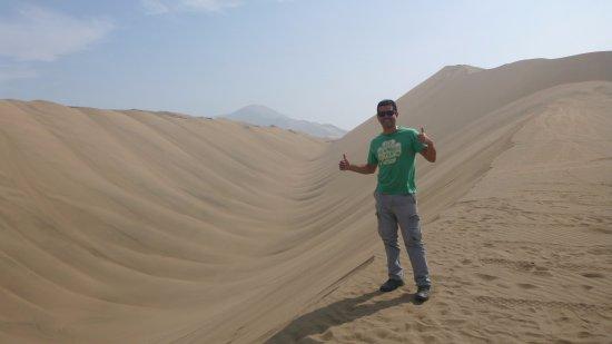 Região de Lima, Peru: En la cima del tubo (Dunas de Arena)