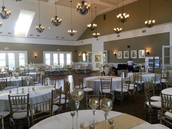 Waverly Oaks Golf Club : Ballroom day before the wedding helping my Wife as the florist setup