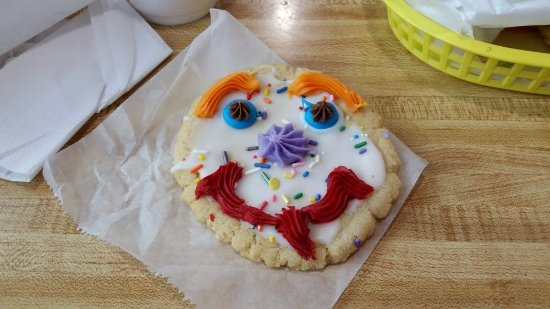 Shiner, TX: Delicious smiley cookie