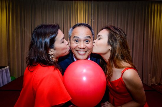 BEST WESTERN Plus Lex Cebu: the diamond got a kiss from the two most important ladies in his life
