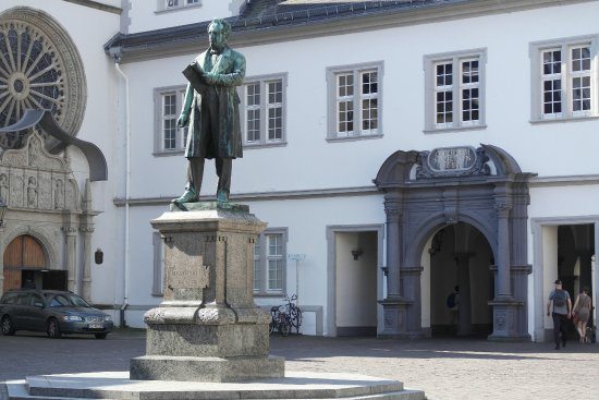 standbild von johannes m ller in koblenz bild von johannes muller denkmal koblenz tripadvisor. Black Bedroom Furniture Sets. Home Design Ideas