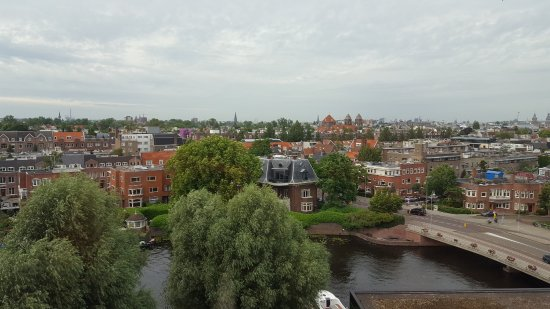 Hilton Amsterdam: Canal and city view from my room