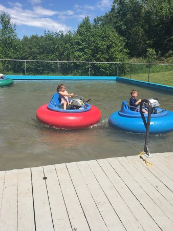 O'Leary, Canadá: Bumper boats are fun!