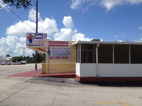 Pahokee, FL: Outside Pappa Joey's