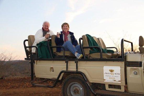 Pongola, Afrique du Sud : Sundowners on evening drive