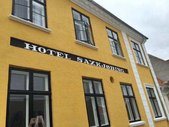 Hotel Saxkjobing: Den flotte og nyrenoverede front