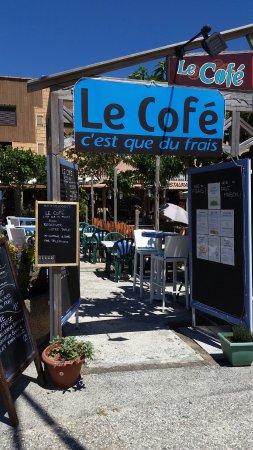 Le cofe c'est que du frais: entrée coté place , ce restaurant est collé à un autre, ne confondez pas !