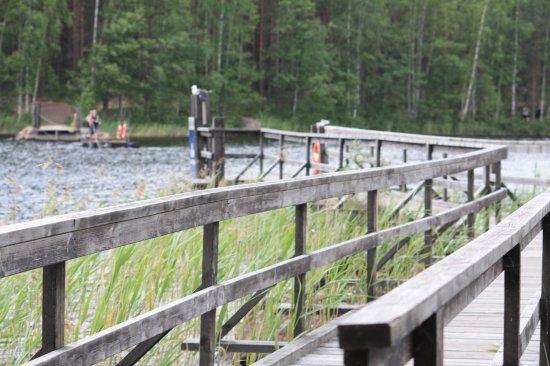 Kouvola, Finlandia: Переправиться на другой берег можно на ручном пароме