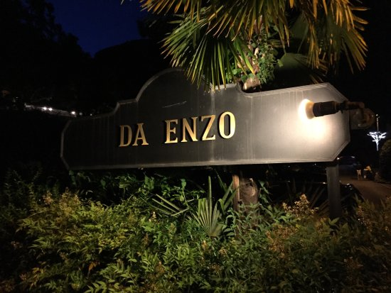 Tegna, สวิตเซอร์แลนด์: Da Enzo