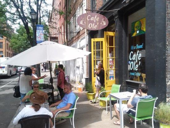 Barnes Museum Restaurant Review