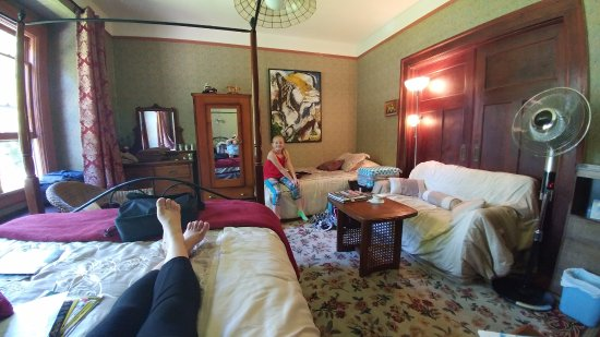 Marketa's Bed and Breakfast: Shot with a wide angle lens. Spacious, bright room. Plenty of places to put our things. Window s