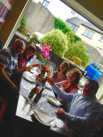 Athlone, Irlanda: champaign Breakfast with my sisters and brother in law,