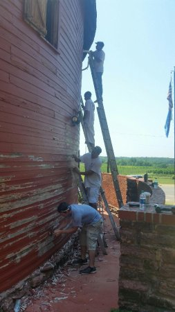 Arcadia, Oklahoma: Restored the outer layer to the Old Round Barn