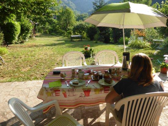 Valdeblore, Γαλλία: Petit déjeuner sur la terrasse