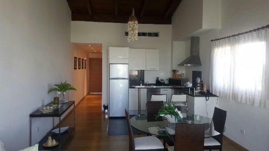 Sybaris Suites & Residences: 20160716_084100_large.jpg